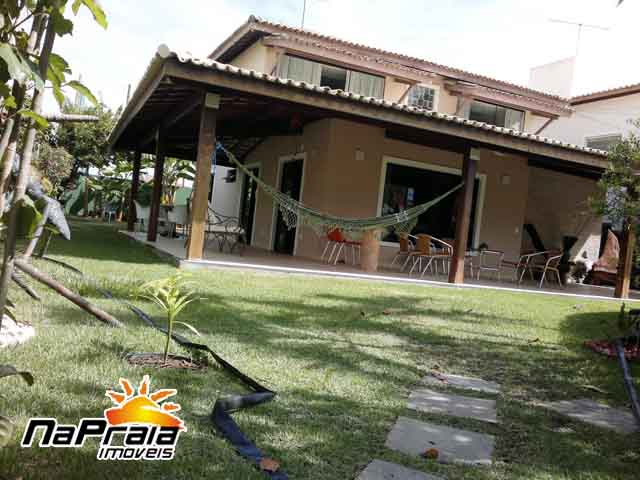 High Standard 4 bedrooms house in a private condominium in Praia do Flamengo, Salvador da Bahia.